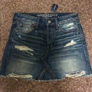 American eagle jean skirt! NEVER WORN!